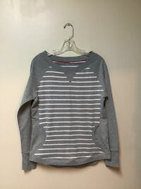Women's Kenneth Cole Reaction striped pullover top....Medium