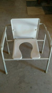 white and gray metal chair