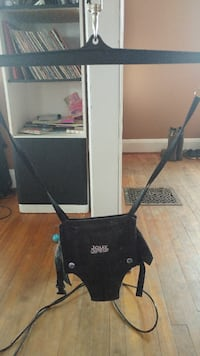 black Jolly jumperoo Straffordville, N0J 1Y0
