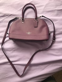 Women's brown leather 2-way bag.