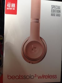 Special edition rose gold beats by dr. dre beatssolo3 wireless box Toronto, M8X 2L2