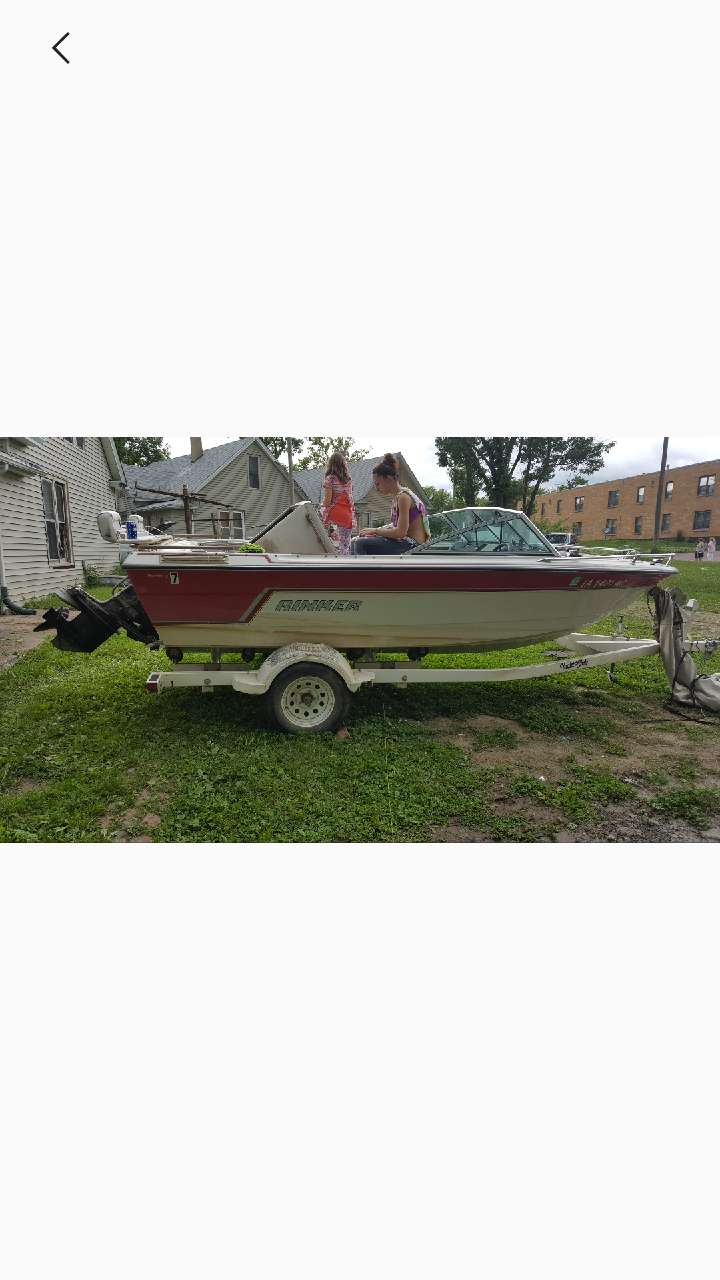 Letgo red and white speedboat in sioux city ia for Craft stores in sioux city iowa