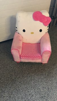 Pink and white hello kitty armchair 561 km
