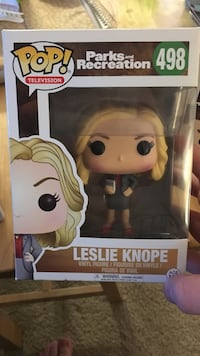 Pop ! Parks and Recreation Leslie Knope vinyl figure box Springfield, 65807