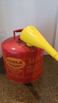 Eagle 5 gallon metal gas can with spout Manassas