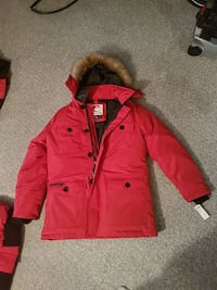 Canada goose jacket size Large Calgary, T1Y 2L9