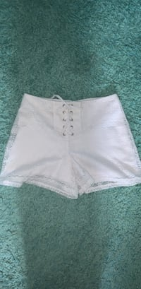 Amy Byer zip up shorts size 10-12 kids Urbandale, 50323