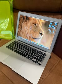 MacBook Air 2012- price not negotiable  Houston, 77088