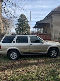 2000 Nissan Pathfinder LE 4AT