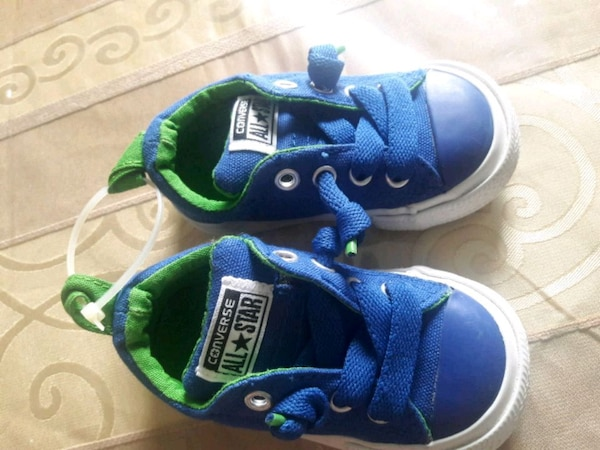 New baby converse size 4 never used