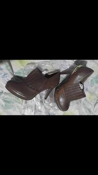 pair of brown leather boots Omaha, 68108