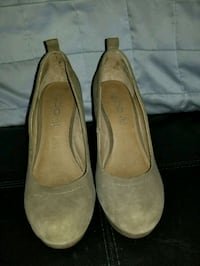 Tan wedge shoes Ottawa, K1T 2X9