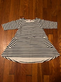 Kids dress symmetrical new size 4 with pockets Washington, 20002