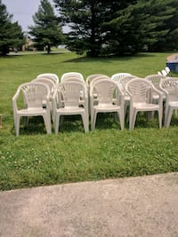 Outdoor Plactic Chairs $4 A Chair or $10 For All  Smyrna, 19977