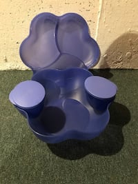 Tupperware chip and dip set never used Cochrane, T4C 2C3