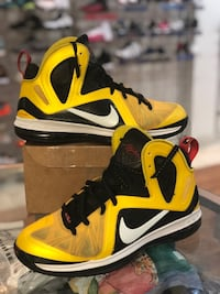 Taxi Lebron 9s size 11.5 Silver Spring, 20902