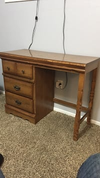 Solid wood desk and chair must go by 2pm Colorado Springs, 80903