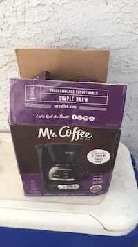 New coffee pot box messed up but brand new Phoenix, 85032