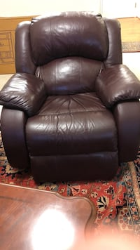 black leather recliner sofa chair Fairfax, 22030