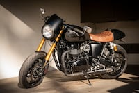 2014 Triumph Thruxton 900 - 1670 Miles - Total Custom Cafe Racer Los Angeles, 90049