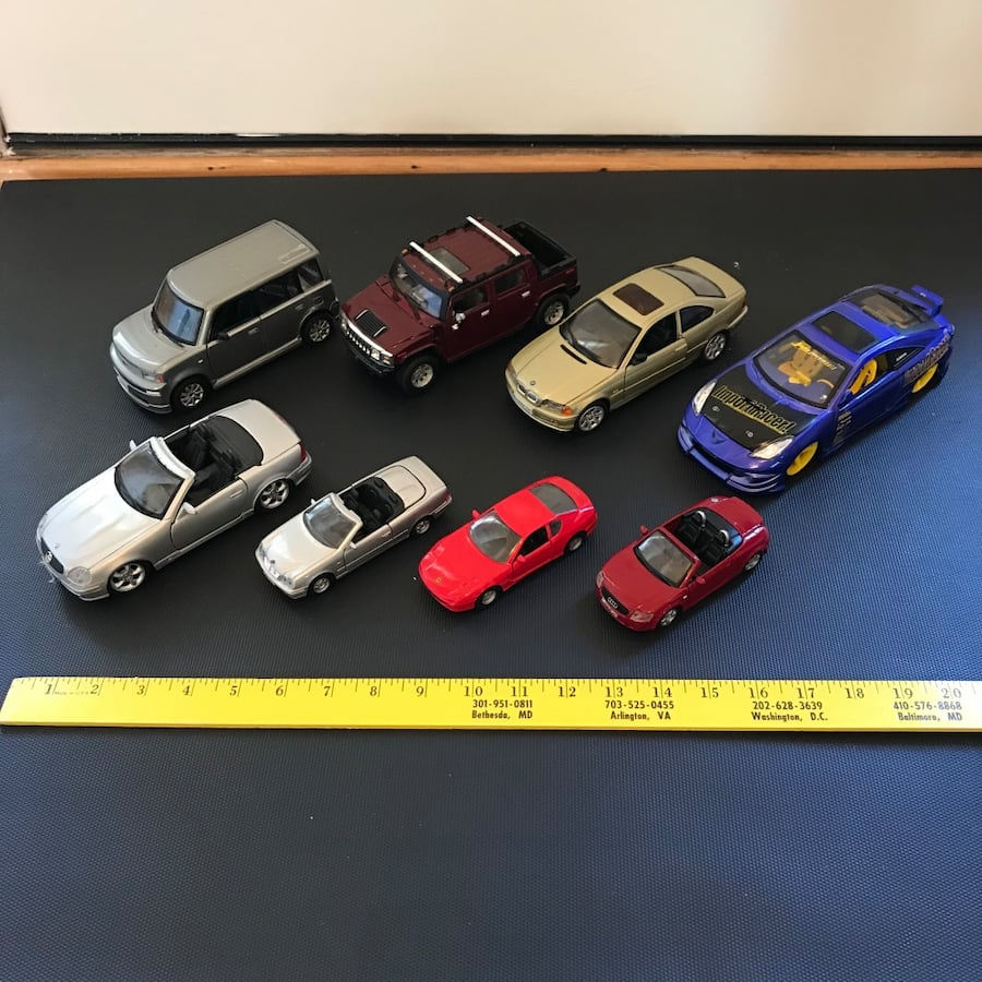 Toy cars vehicle mercedes hummer toyota small medium bmw toys figures