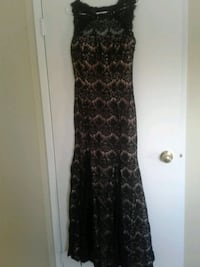 Beautiful evening gown size 14 Edmonton, T6K