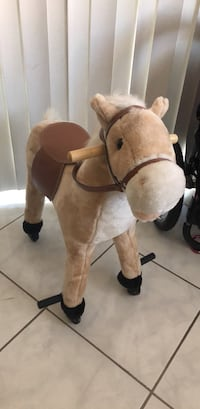 Brown and white movable horse  Norwalk, 90650