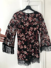 black and brown floral long-sleeved shirt Montréal, H2M 1Y5