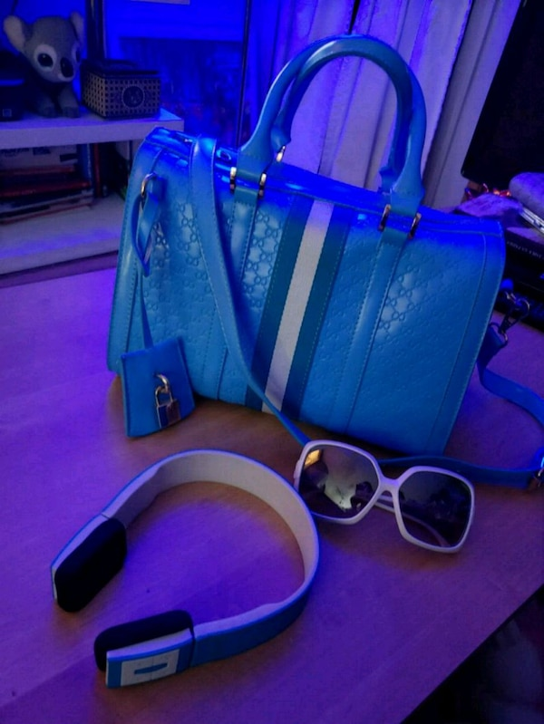3 morceaux fashion / techno light blue and white