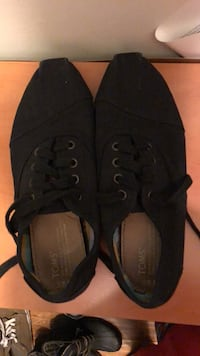 TOMS  Womens size 8.5 Springfield, 22152