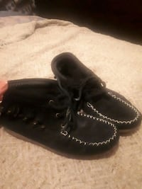 Black Softmoc moccasins  Kitchener, N2G 1L7