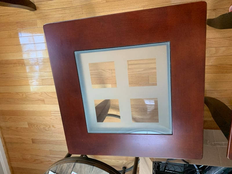 Coffee table and end tables set 4172031c-9fb7-466b-a644-a038d2167fff
