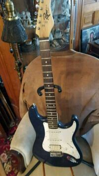 Rare rogue st-4 strat by squire  Minneapolis