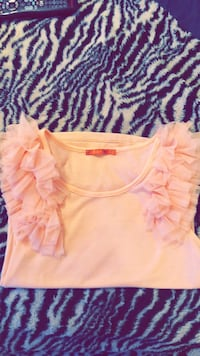 Gorgeous  frilly baby pink top Toronto, M2M 4L2