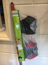 TELESCOPIC BROOM (INCLUDES 2 DIFF. BRUSHES - INDOOR & OUTDOOR)  Richmond Hill