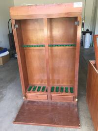 Gun cabinet! Selling at garage sale this weekend! Come take a look!! Mundelein, 60060