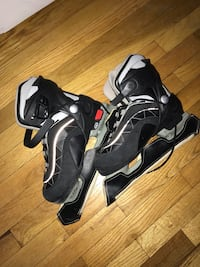 Ice skating shoes size 3-6 very good conditions for 25 Montréal, H8P 1Z7
