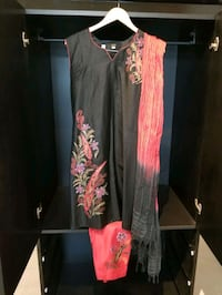 Black and Red Sleeveless Indian Outfit Vaughan, L4L 8Y6