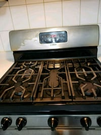 Bosch gas cooker in good perfect conditio Brampton, L6R 1C7