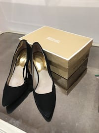 Michael kors black and gold heels size 7 Vaughan, L4K 5G8