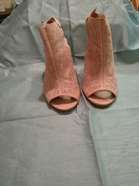 Blush colored peep toe 3 1/2 in. sling back heals. Perry Hall, 21128