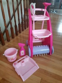 Barbie cleaning set toys Montréal, H8Y 1M1