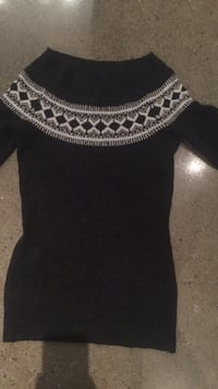 Mock neck sweater - XS  Waterloo, N2J 0B3
