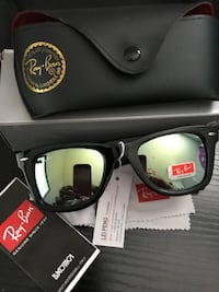 RAY-BAN 2132 WAYFARER SUNGLASSES GREEN MIRRORED LENS Oakville