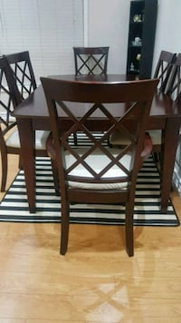 Dinning Table & 6 Chairs Brampton