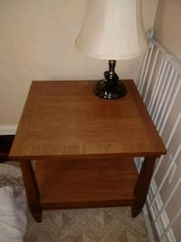 Table. Like New. No scratches