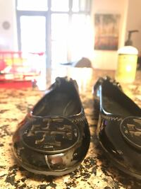 Pair of black leather flats Arlington, 22204