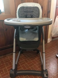 Graco cascade print high chair. Height is adjustable, reclines for infants, seat comes off so base can be used as a booster Commack, 11725