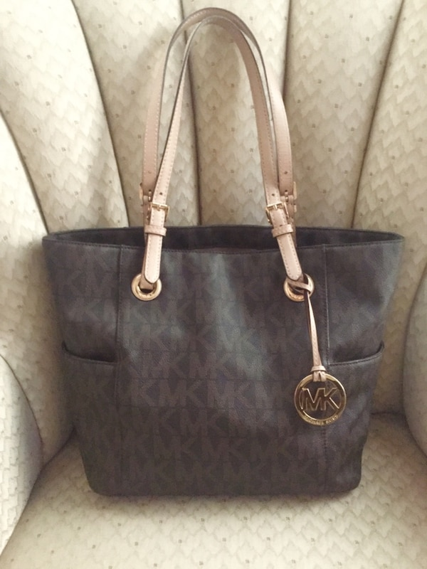d27db2b3fb6d Used Michael Kors Signature Tote for sale in Lutz - letgo