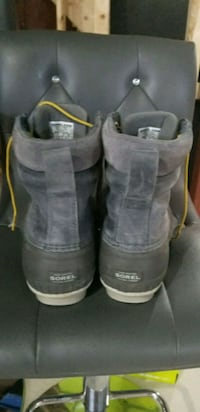 man's sorel winter boots size 9 Kitchener, N2P 2N3